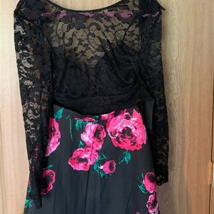 Dresses & Skirts - Two piece long sleeve floral dress
